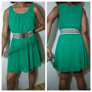 BCX Emerald green sleeveless dress